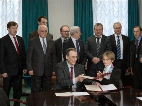 путин впервые занял пост президента чем занять трехлетнего ребенка в домашних
