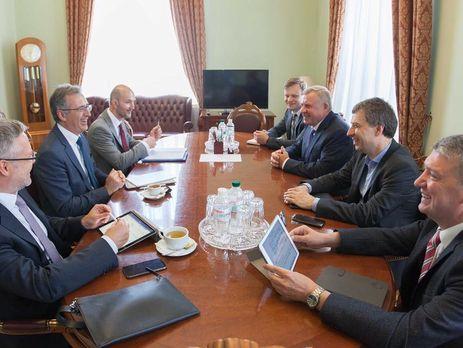 Смолий встретился с главным экономистом Европейского банка реконструкции и развития Сергеем Гуриевым