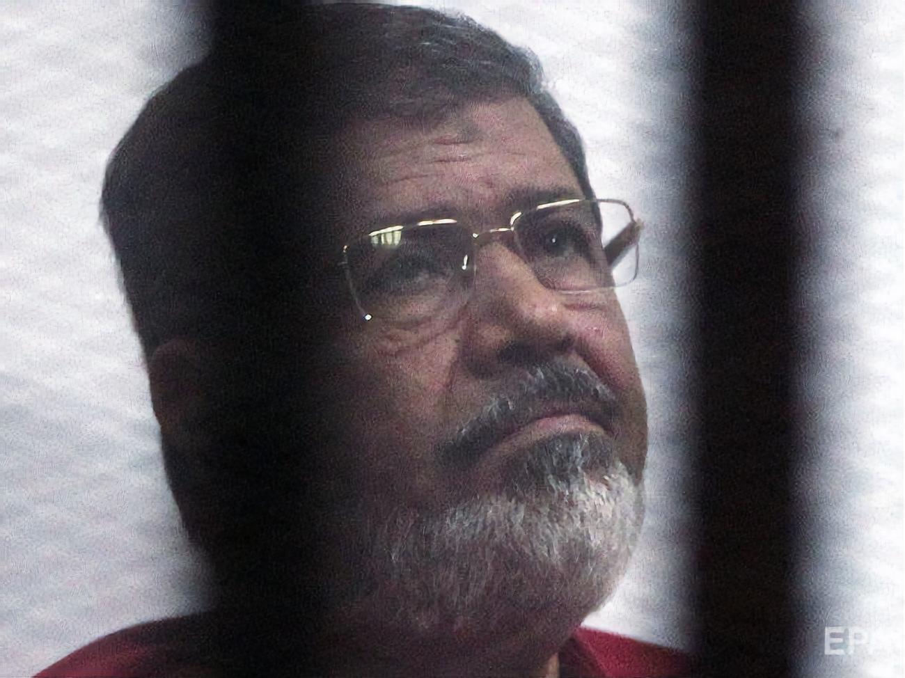 Экс-президент Египта Мурси умер в зале суда