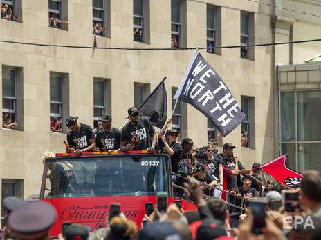 В Торонто во время парада в честь победы команды в NBA произошла стрельба