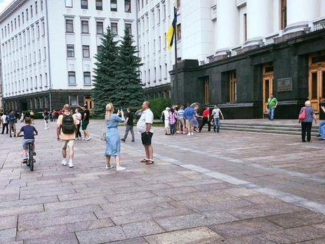 Зеленский уволил Богдана и всех его заместителей из АП и переназначил их в Офис президента