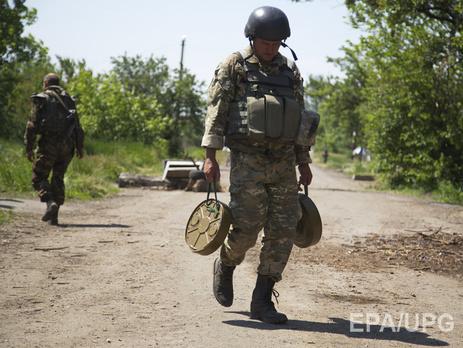 На донецком направлении боевики ведут обстрелы
