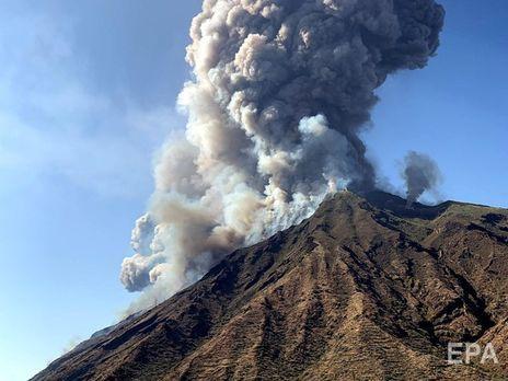 Вулкан Стромболи ожил
