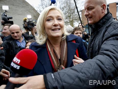 Олланд проголосовал вовтором туре региональных выборов воФранции
