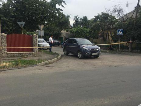 ВУжгороде обстреляли автомобиль офицера милиции, ранена случайная прохожая