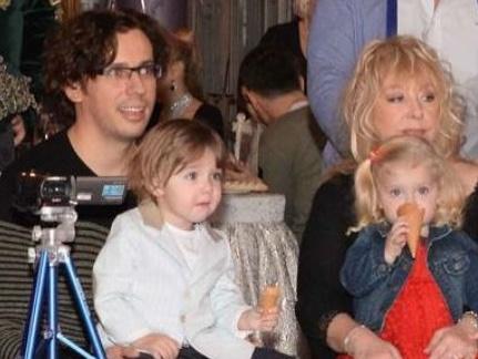 галкин и пугачева с детьми фото