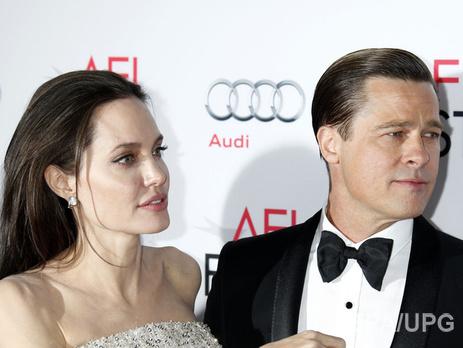 Анджелина Джоли иБрэд Питт подали объявление наразвод,