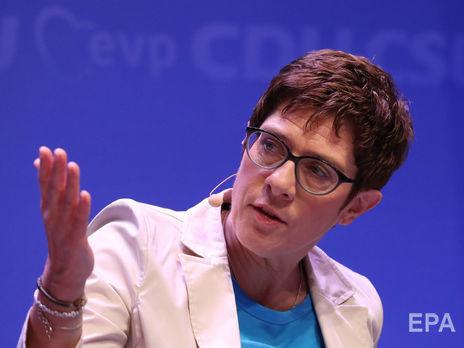 Главой Минобороны Германии будет Аннегрет Крамп-Карренбауэр