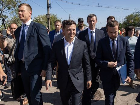 Зеленский заявил, что Украина готова обменять Вышинского на Сенцова, а моряков Россия должна вернуть не в порядке обмена