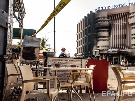 Украинцы погибли при атаке террористов на расположенный рядом с отелем ресторан