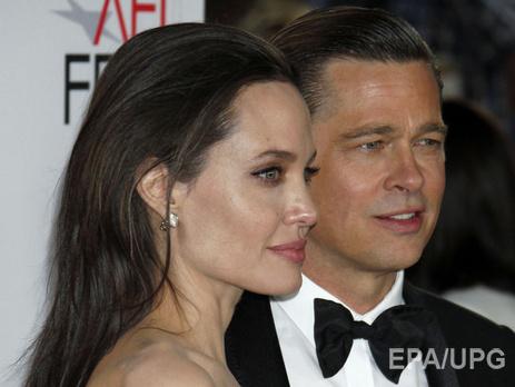 СМИ узнали дату развода Анджелины Джоли иБрэда Питта