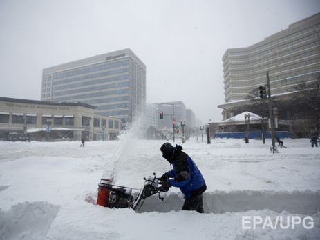Минимум 25 человек стали жертвами снежного шторма в США
