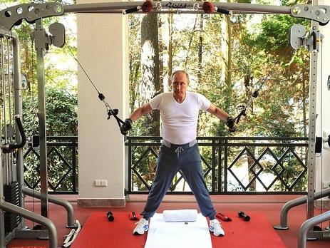 Согласно данным приведенным в фильме ВладимирПутин &mdash самый богатый человек в Европе и один из богатейших в мире