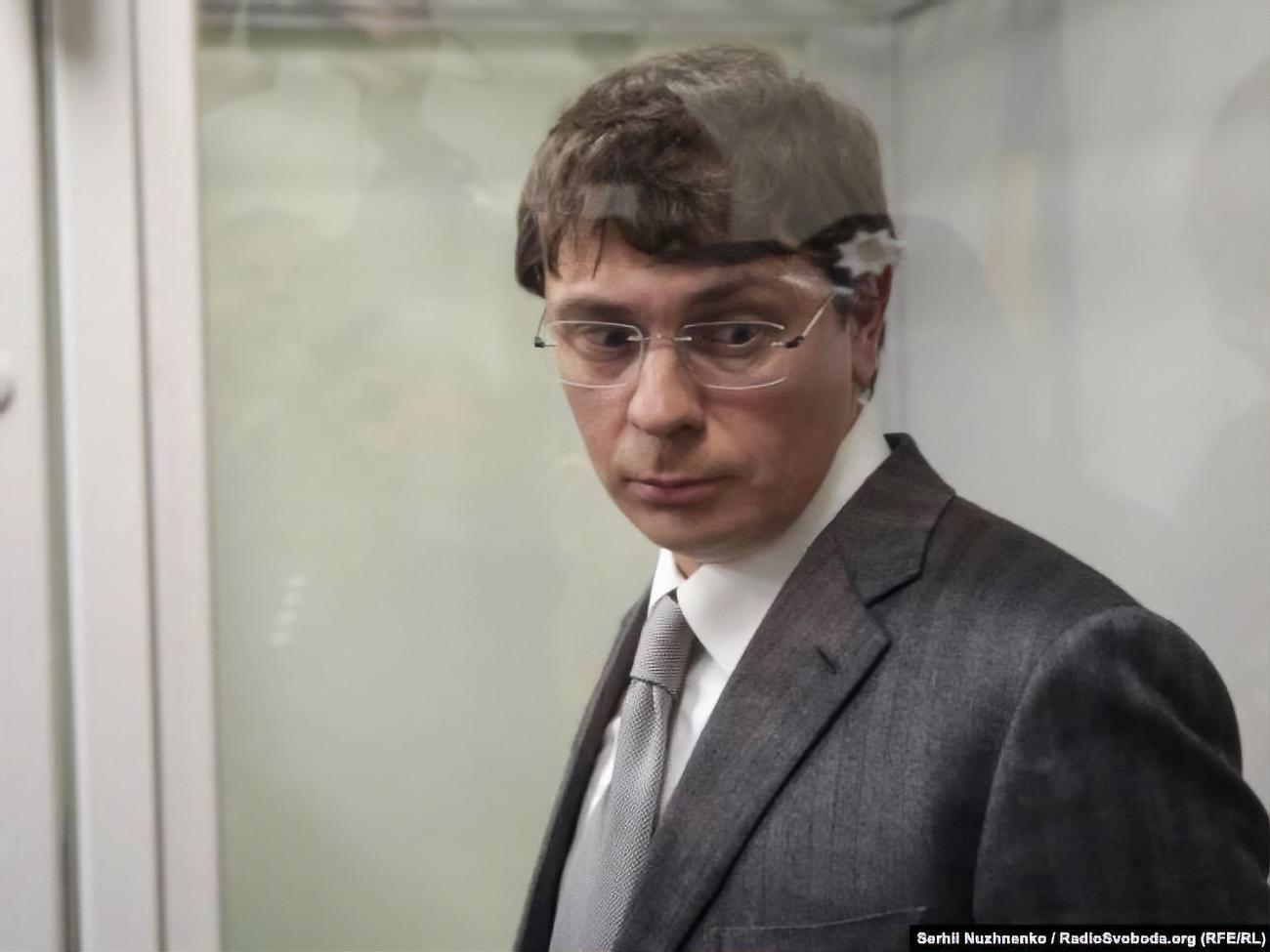 Суд снял электронный браслет с бывшего нардепа Крючкова, который фигур