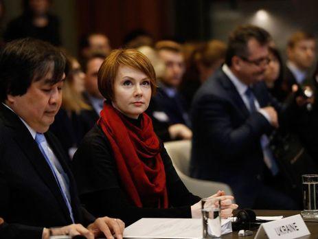 Украине необходимо пробовать новые подходы к разрешению конфликта на Донбассе, сказала Зеркаль