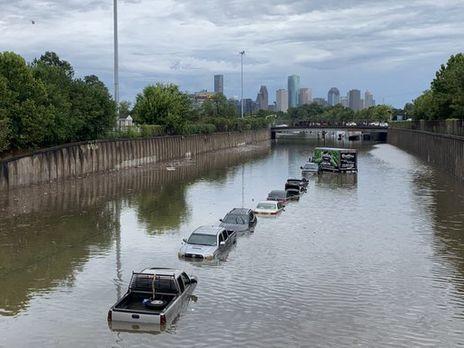 На Техас обрушился мощный шторм: есть первая жертва