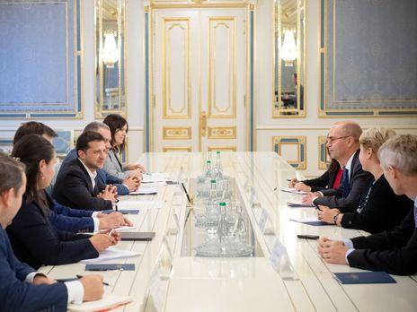 Зеленський зустрівся із представниками МВФ