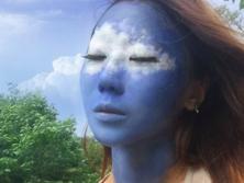 Корейская художница создает оптические иллюзии на собственном лице. Фоторепортаж