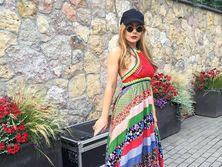 Тина Кароль продемонстрировала новые образы в Юрмале. Фоторепортаж