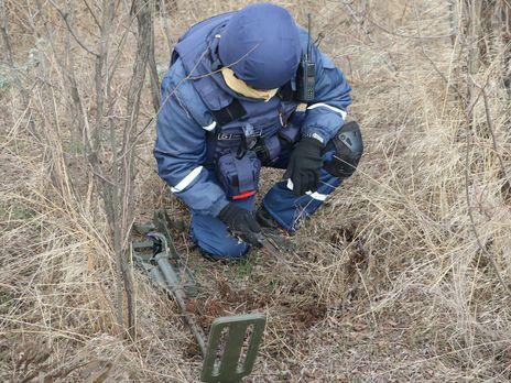 На участке разведения в Золотом силами Госслужбы Украины по чрезвычайным ситуациям проведено разминирование