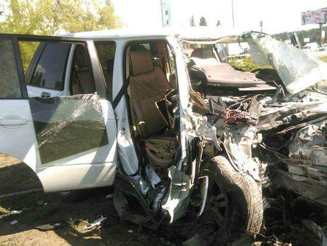 ДТП вКиеве: нетрезвый шофёр джипа, скрываясь от милиции, влетел встолб