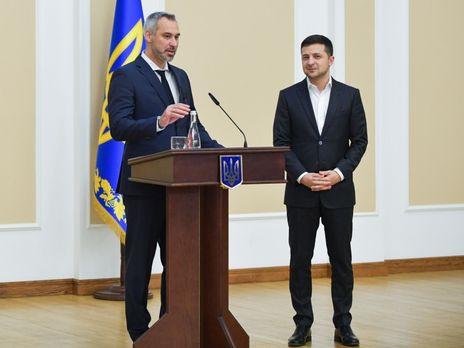 Зеленский (на фото справа) назвал себя союзником прокуроров