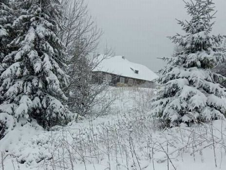 """На снеголавинном посту """"Драгобрат"""" зафиксировали снежный покров высотой 10 см"""