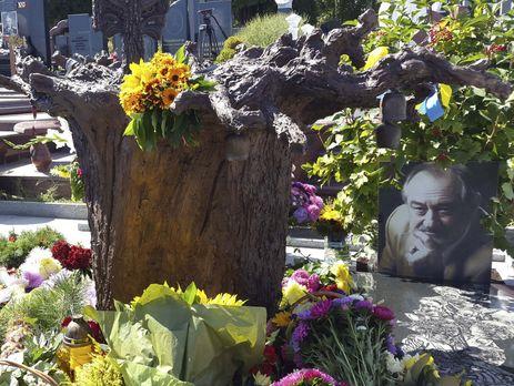 Одесский скульптор создал монумент Богдану Ступке, который установили вКиеве