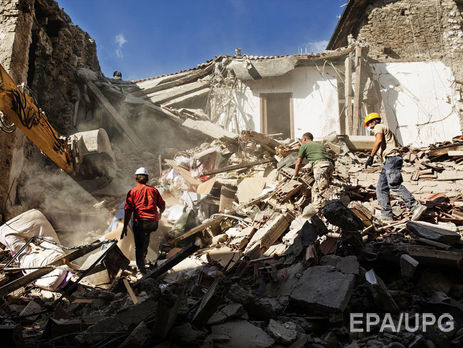 Число жертв в итоге землетрясения вИталии превысило 280 человек