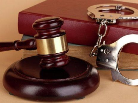 Двух следователей милиции вКиеве задержали завзяточничество