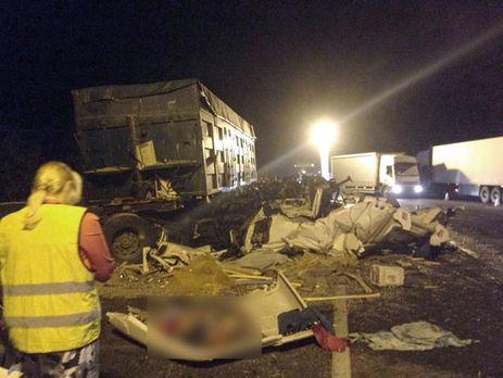 Три человека погибли из-за столкновения фур около Полтавы