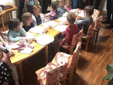 Полицейские установили, что пребывание детей в незаконном детском саду составляет для них опасность