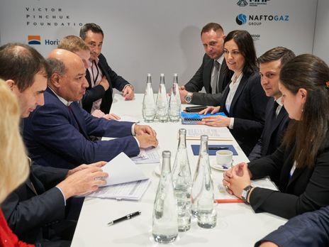 Глава ЄБРР на зустрічі із Зеленським у Давосі висловив задоволення прогресом реформ в Україні