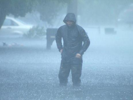 Из-за урагана 300 тысяч домов воФлориде остались без электричества