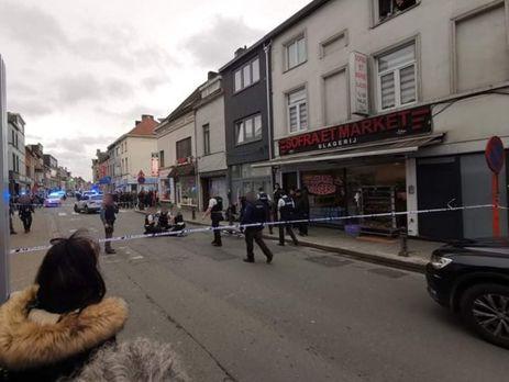 Женщина напала сножом напрохожих вБельгии