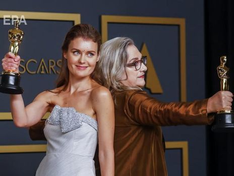 "Елена Андрейчева (слева) и Кэрол Дайсингер (справа) стали лауреатами ""Оскара 2020"""