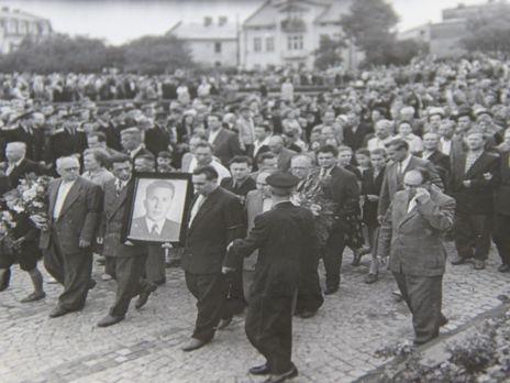 27 липня 1960 року. Церемонія перепоховання Кузнецова у Львові
