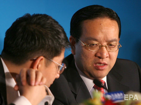 Цзян Чаолян (справа) оставил должность секретаря парткомитета провинции Хубэй