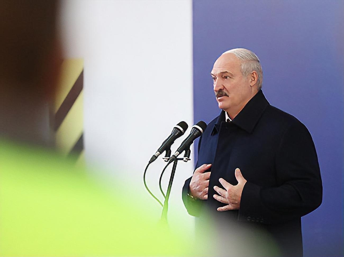 Лукашенко рассказал, какие два условия поставил Путину для достройки Б