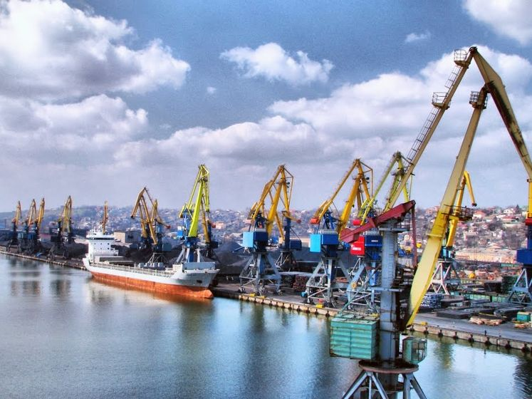 Правоохоронці проводять обшуки в Одеському морському порту та Адміністрації морських портів