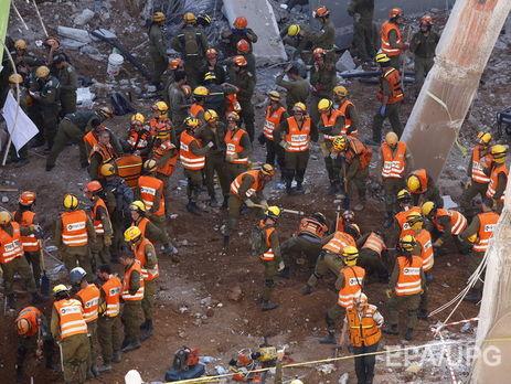 ВТель-Авиве пострадали десятки людей из-за обрушения крана нанедостроенное здание