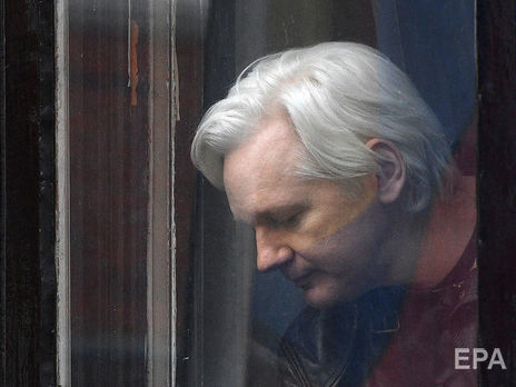 Ассанжа могут экстрадировать в США, где ему грозит длительный тюремный срок