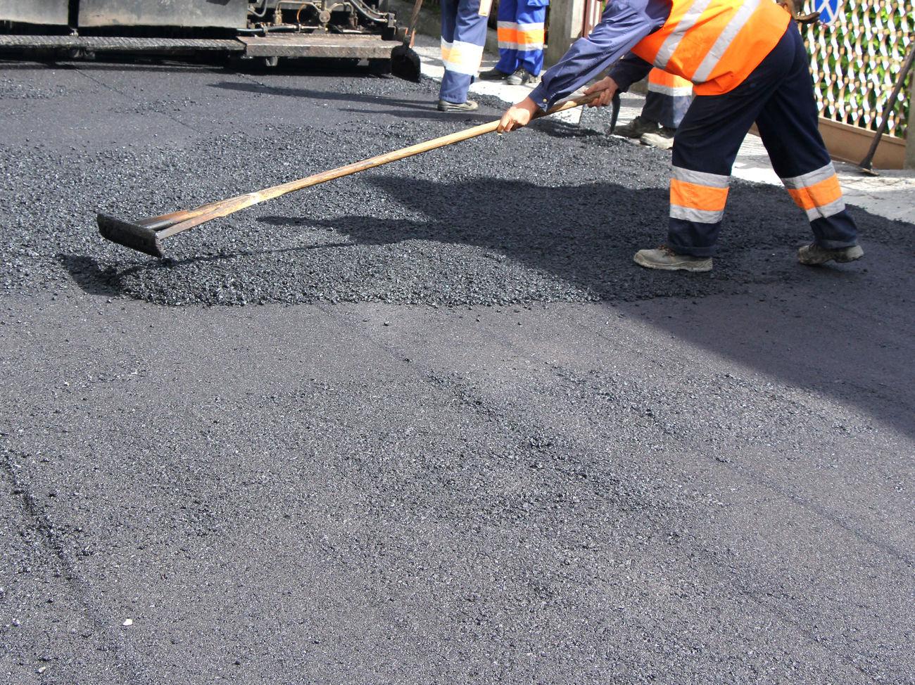 Кабмин хочет снять 10 млрд грн с 'Большого строительства' Зеленского и