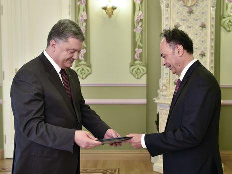 Порошенко принял верительные грамоты упослов ряда других государств