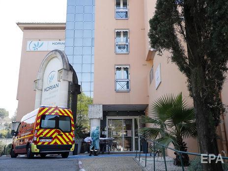 COVID-19 во Франции: 1335 новых летальных случаев из-за подсчета погибших в домах престарелых