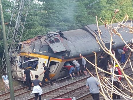 Крушение поезда вИспании: 4 погибших идесятки раненых
