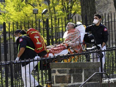 Медсестра из Нью-Йорка: Еще никто не покинул нашу реанимацию иначе, чем в сумке для тела