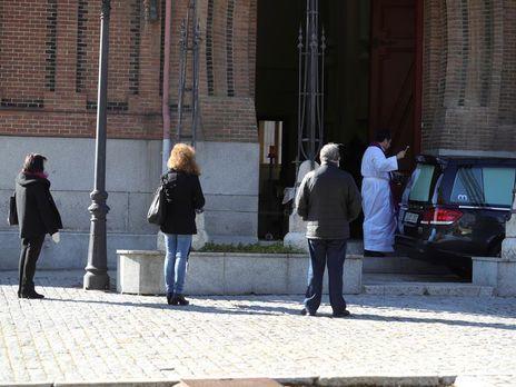 Коронавирус в Испании. За сутки умерло 619 человек, смертность составляет 10%