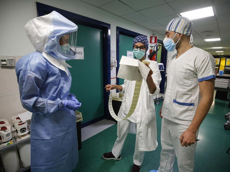 За границей от коронавируса лечится 175 украинцев – МИД Украины