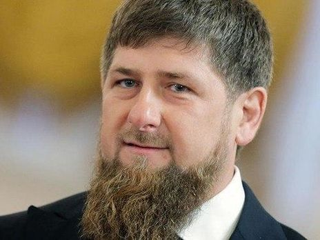 Кадыров побрился налысо из-за коронавируса. Его примеру последовали чиновники и служащие Чечни